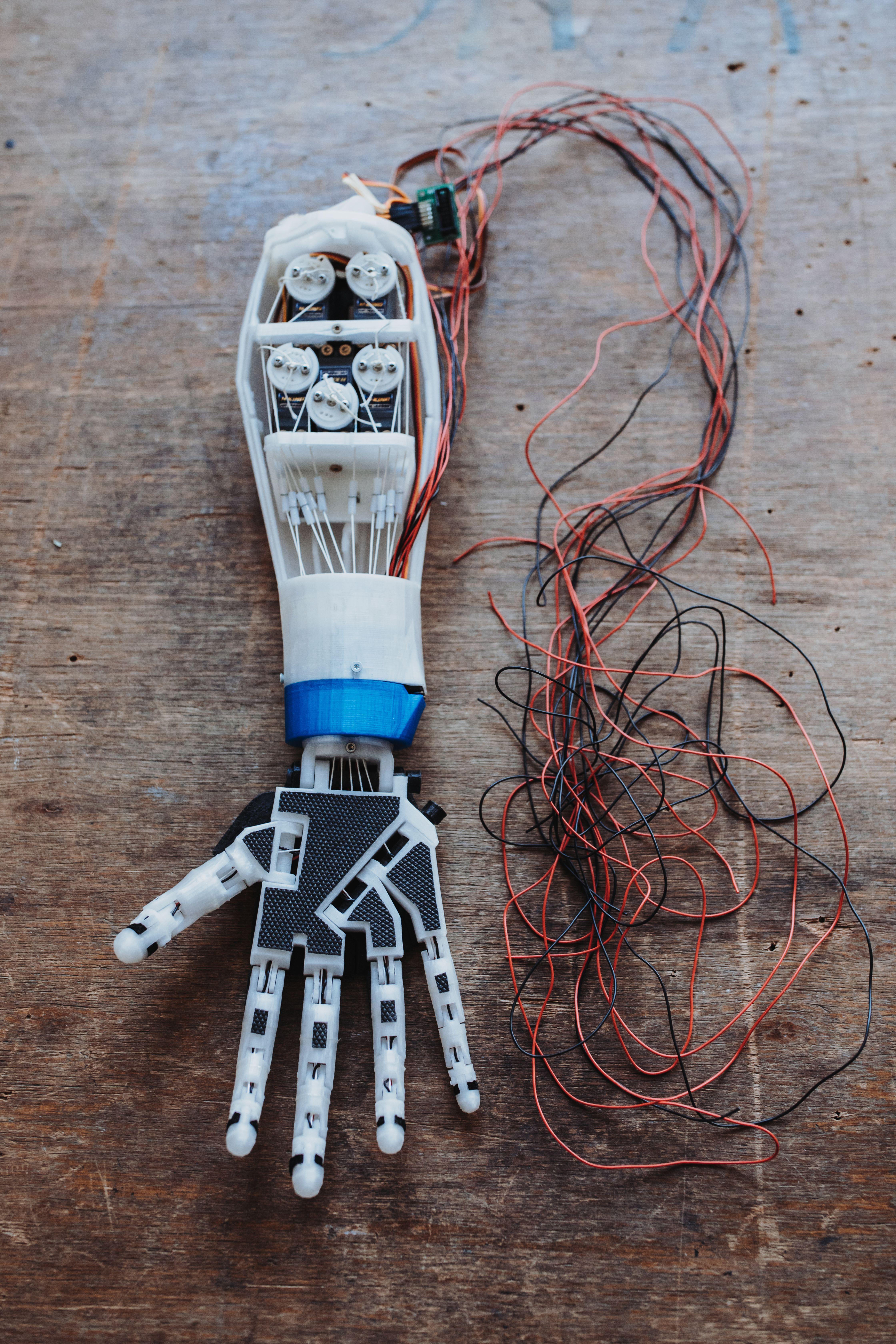 Roboterarm aus dem VHS-Makerspace