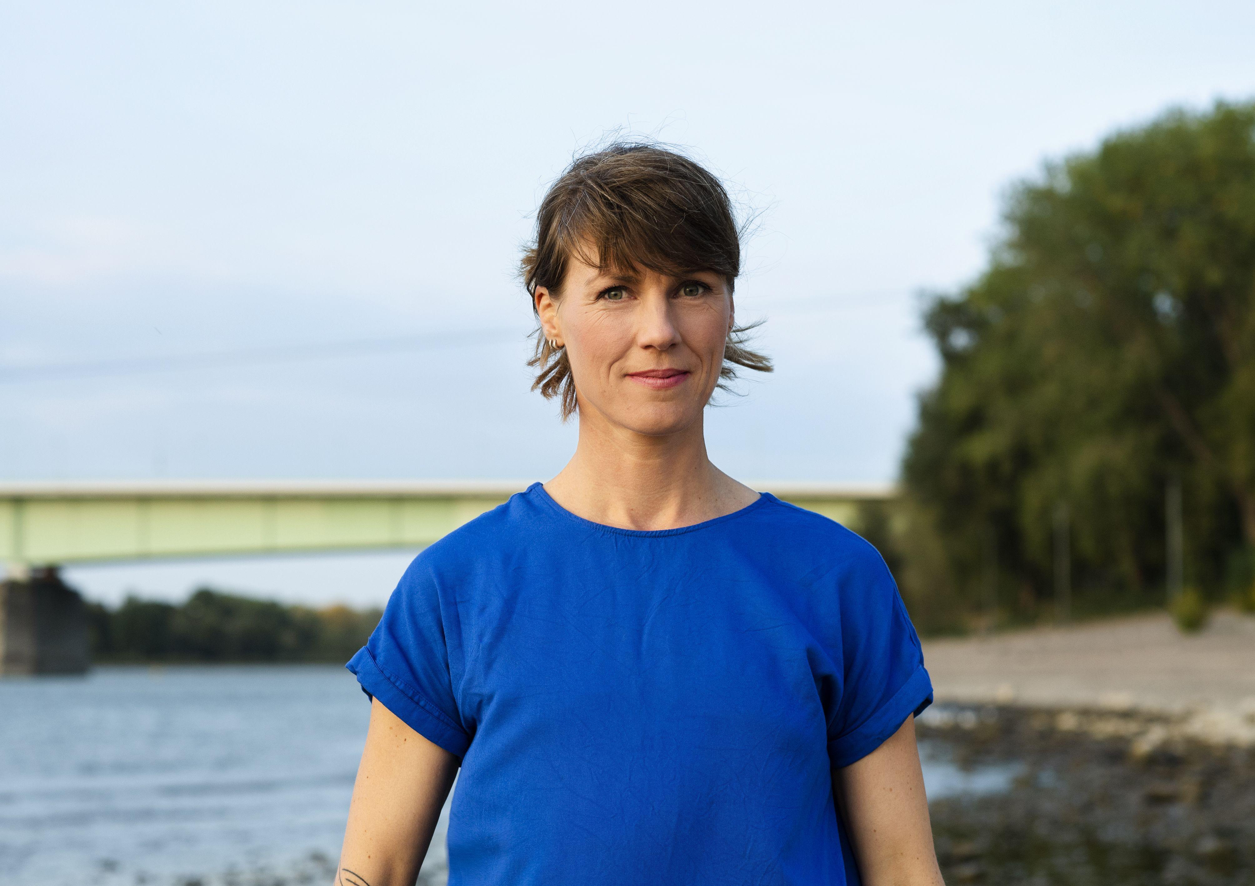 Die Autorin Nora Hespers, ©Annette Etges/Suhrkamp Verlag